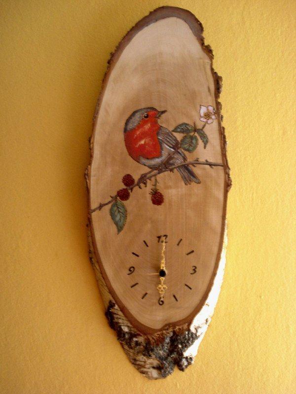 Jana Kosec, slika - poslikava lesa - ura