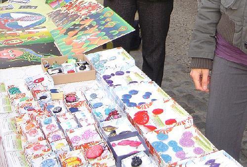 Art market Novo mesto 20. 10. 2013 - Nina Kolar in Laura Ličer